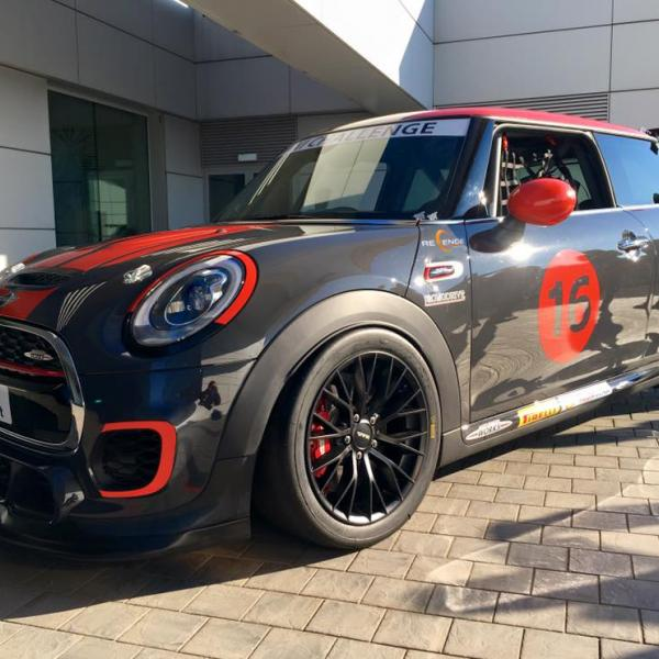 Mini John Cooper Works Challenge prototype - Side view